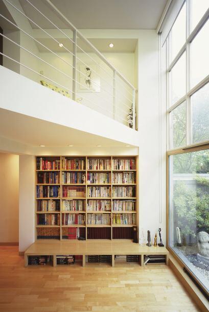 Todo espacio es útil. Los muebles a la medida son un buen recurso, pues...