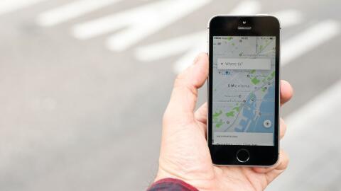 La app the Uber en Barcelona, España.