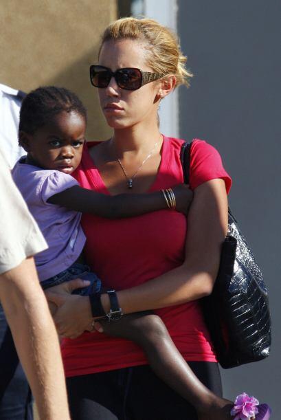 Finalmente, Madonna sí pudo quedarse en 2009 con Mercy. Mira aquí los vi...