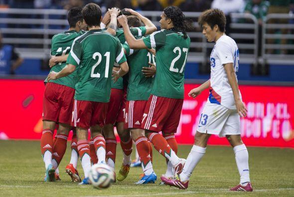 Todo era alegrías y festejos en el equipo mexicano escasos segundos ante...