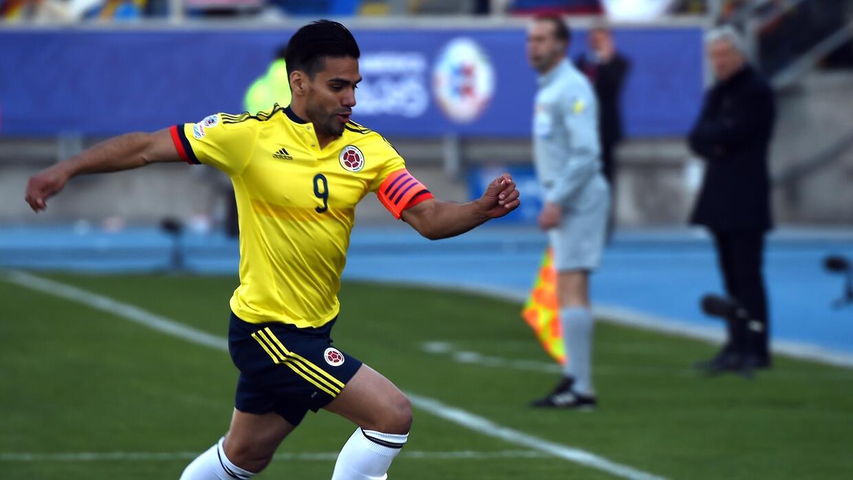 El delantero colombiano celebra su pase al Chelsea donde quiere triunfar.