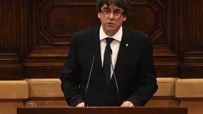 Carles Puigdemont, presidente de Cataluña, durante su intervención en el...