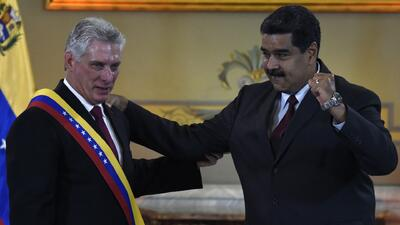 Nuevo presidente de Cuba viaja a Venezuela para reunirse con Maduro y visitar la tumba de Chávez