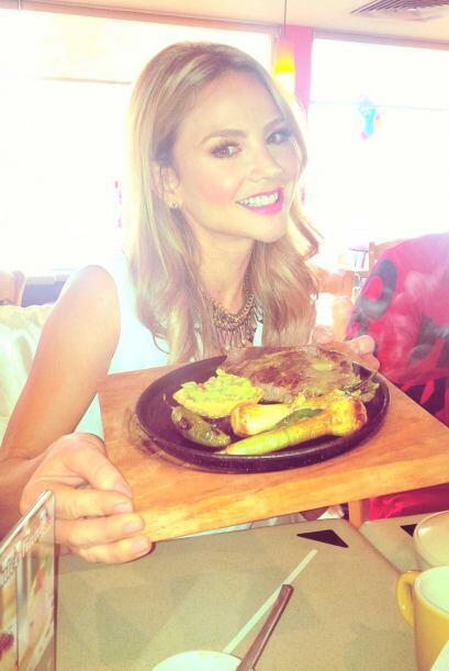 """""""¡Buenos Días! ¡Estoy feliz comiéndome un sabroso desayuno mexicano! Nos..."""