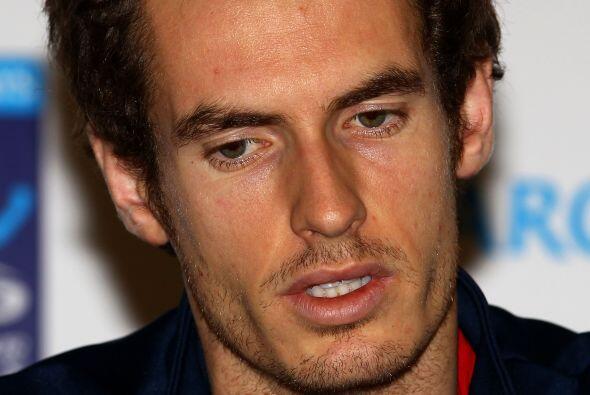 El favorito del Masters de Londres, Andy Murray, se retiró del torneo de...