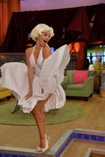Ximena estaba muy divertida aunque ese vestido resultó peligroso.
