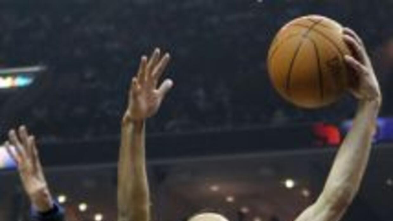 Serie de Playoffs entre los San Antonio Spurs en su visita y caída ante...