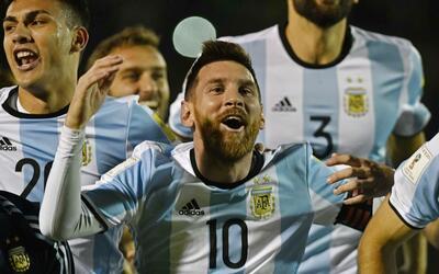 Messi marcó triplete en el triunfo de Argentina por 3-1 sobre Ecu...