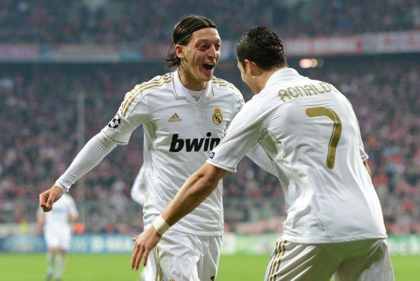 Özil volvía a marcar en territorio alemán, donde formó su carrera con el...