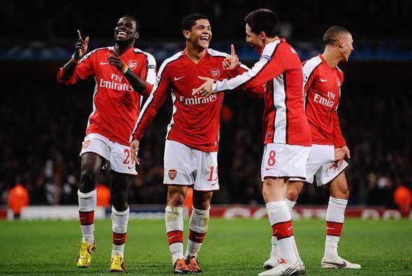 Arsenal ganó 2-0 y aseguró su pase a los octavos de final.