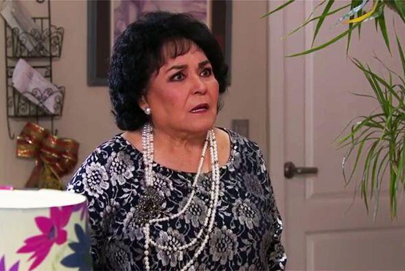 Ahora sí que nos sorprendió doña Yolanda, le está dando la espalda a Isa...