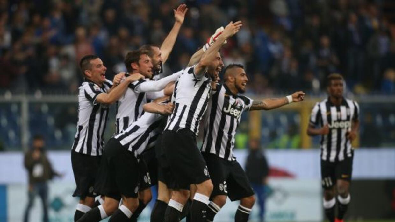 El conjunto bianconeri le ganó a la Sampdoria con gol de Arturo Vidal pa...