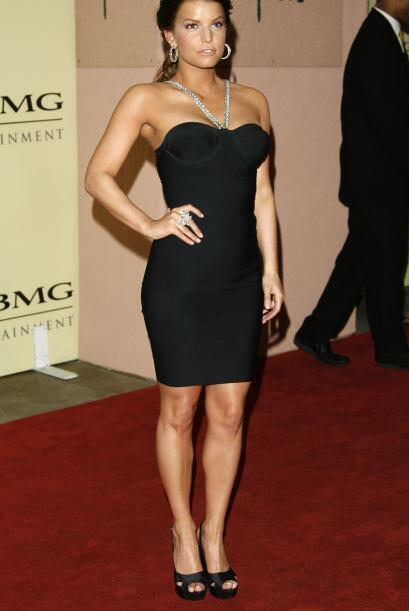 Para una fiesta del Grammy en febrero de 2007 cambió de tono de cabello...