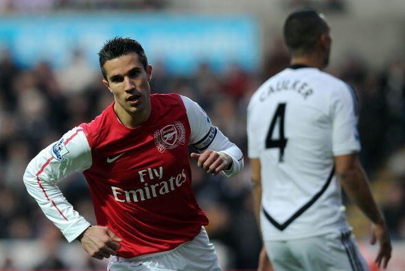 Los 'Gunners' se fueron adelante en el marcador gracias al holandés Robi...