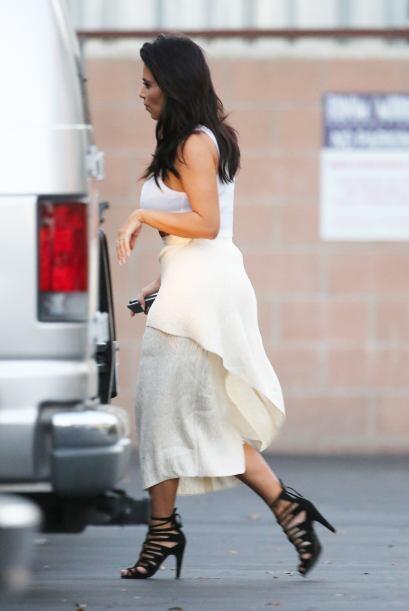 Ya sea con sus prendas o accesorios, Kim quiere que todas las miradas se...