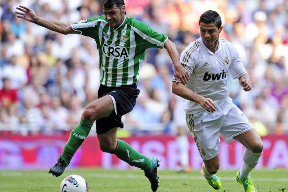 El Betis volvió a jugar en el Santiago Bernabéu luego de su vuelta a pri...