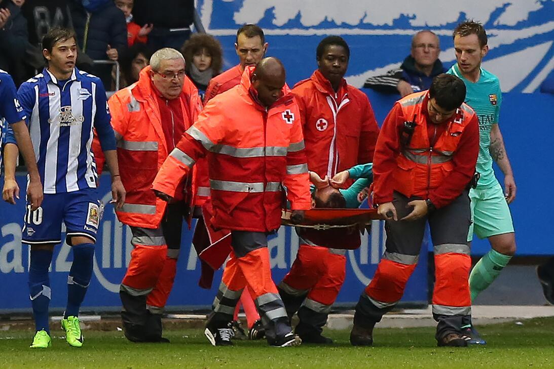Lesiones escalofriantes en el fútbol mundial gettyimages-634740782.jpg