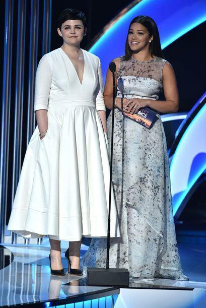 Ginnifer Goodwin y Gina Rodriguez anunciaron al Actor favorito en Cine.