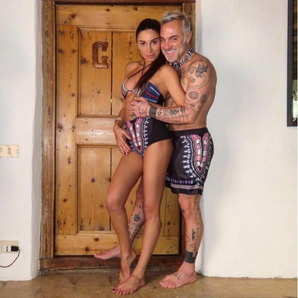 Gianlucca vchi con su novia