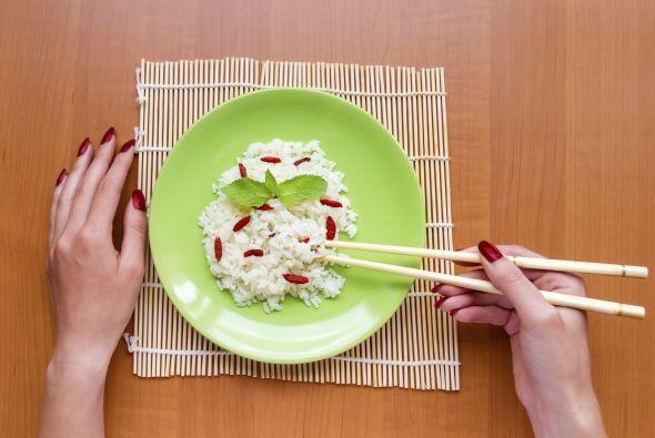 Granos. La levadura y la cebada son algunos productos que contienen vita...