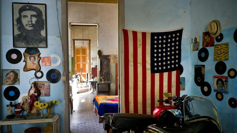 Una casa en La Habana muestra la simbiosis entre símbolos
