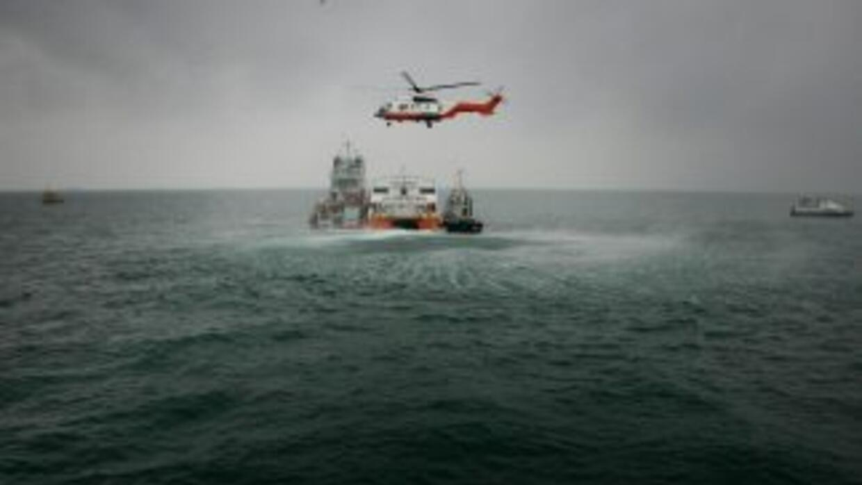 Ocho navíos mercantes se desviaron de sus derroteros para participar en...