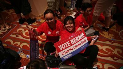 Simpatizantes de Sanders durante el debate en Nevada