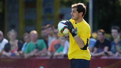 El histórico portero español ya jugó en Portugal con los Dragones