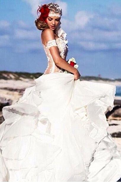 Marjorie con un precioso vestido de novia en la playa. ¿Estará lista par...