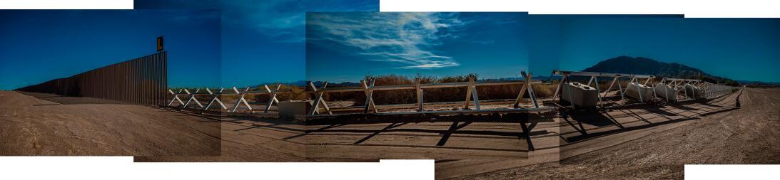 La valla se vuelva una barrera contra choches en el Valle Imperial de Ca...