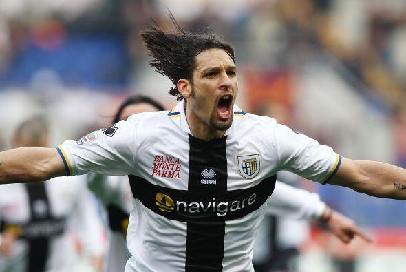 El atacante brasileño naturalizado italiano logró un doblete y el Parma...