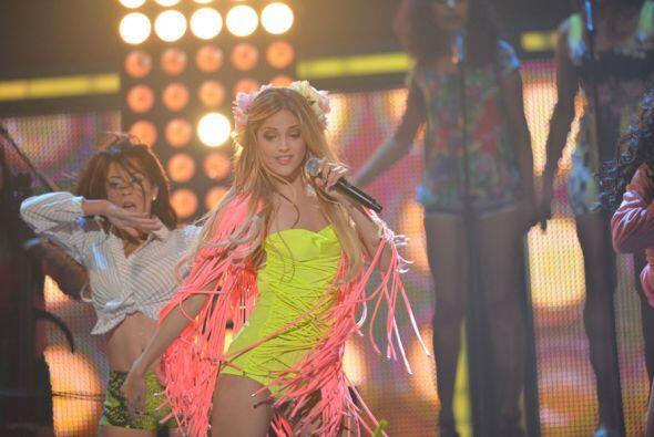 Eiza González debutó en Premios Juventud 2012.