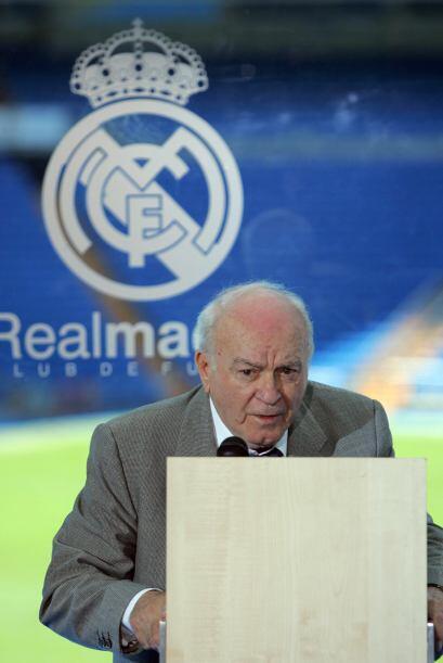 Di Stefano se nacionalizó español y jugó con la selección roja 31 partid...