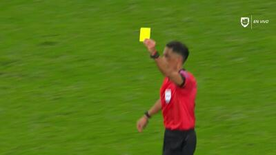 Tarjeta amarilla. El árbitro amonesta a Ciro Immobile de Lazio