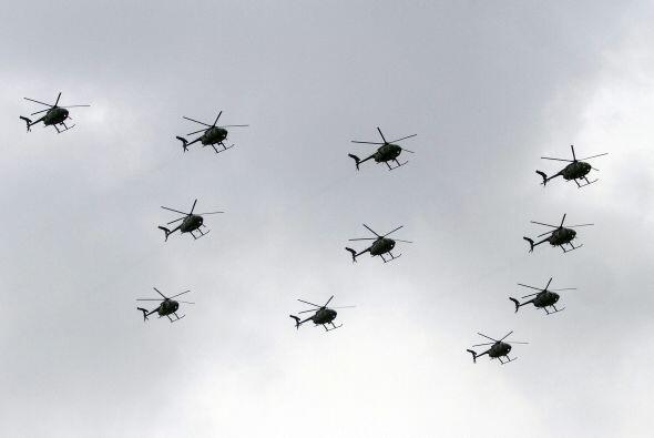 Uno de los momentos más esperados son la aparición de helicópteros y avi...