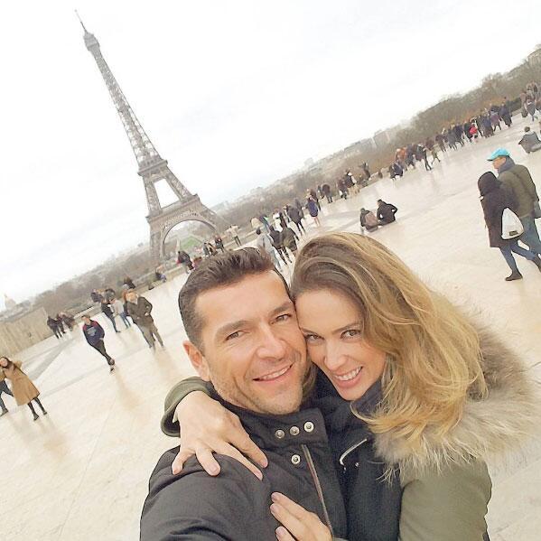 Jacqueline Bracamontes y Martín Fuentes de viaje
