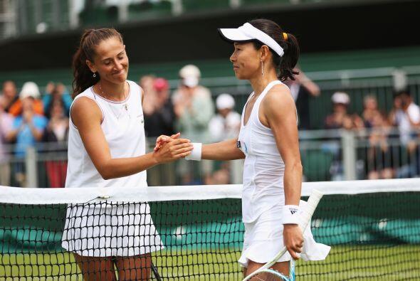 Date, número 84 en el ránking de la WTA, venció a la rumana Alexandra Ca...