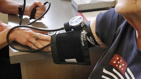 Hasta ahora, uno de cada tres estadounidenses sufría de hipertensión. Co...