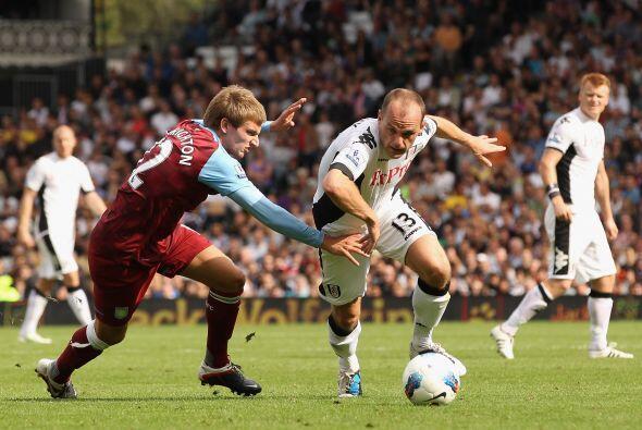 Fulham y Aston Villa aburrieron y terminaron empataron.
