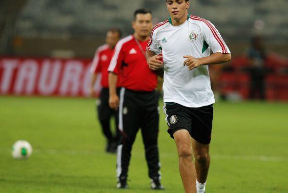 Raúl Jiménez (México): Este joven delantero es el único jugador mexicano...