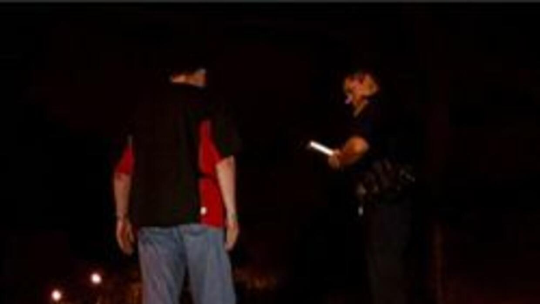Policia de Phoenix administrando el examen de embriaguez