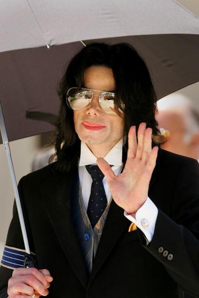 La primera denuncia que enfrentó Michael por el abuso a un menor fue en...