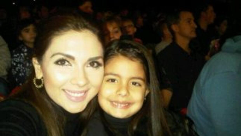 Angélica Atondo con su hija Farah