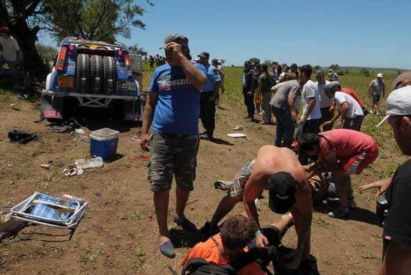 La SUV inscrita como 'Guerrero del Desierto' perdió el control y arrolló...