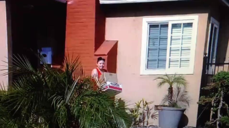 Supuesta ladrona atrapada con las manos en la caja en el condado de Los...