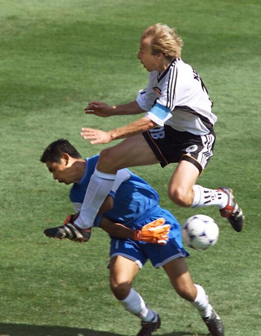Si Raúl Rodrigo Lara no hubiera fallado en Francia 1998 GettyImages-1327...