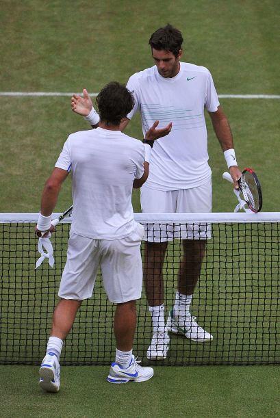 Gran duelo se vivió en la cancha central del 'templo' del tenis,...