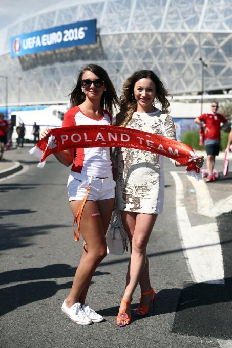 Las bellezas inundaron la Eurocopa y aquí te damos una probadita de esta...