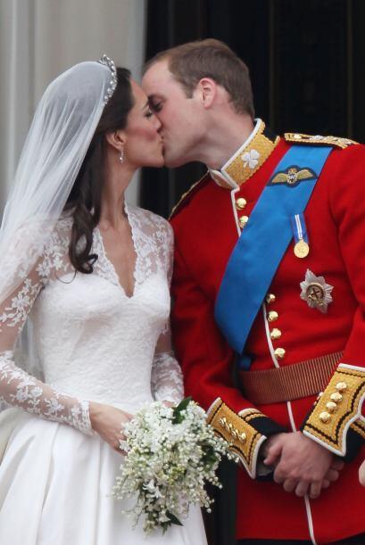 Y para besos emblemáticos, el del Príncipe Guillermo y su...