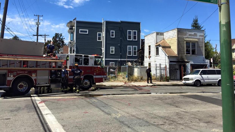 Se registra explosión en una casa de Oakland